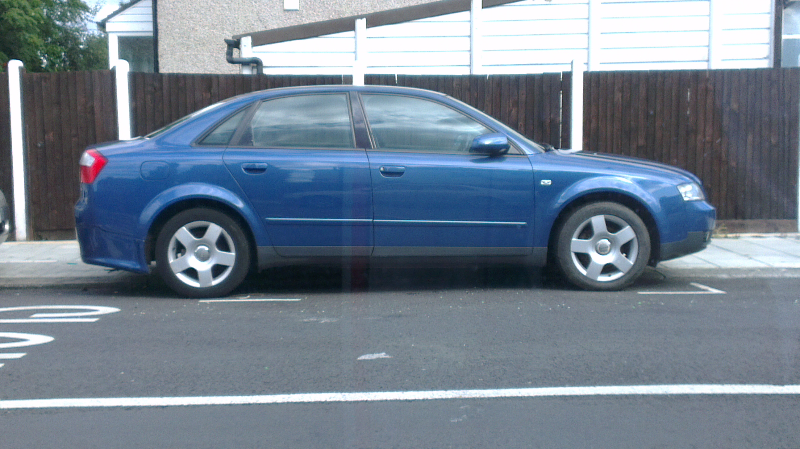audi A4 SE 2.0 automatic NEW-MOT URGENT-699.00 CALL 07400641169